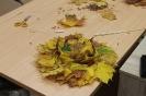 Senioru interešu pulciņš izgatavo kļavu lapu cepures 04.10.2016